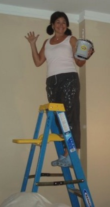 Here I am helping my sister paint her New York City Apartment in my almost perfect paint color!