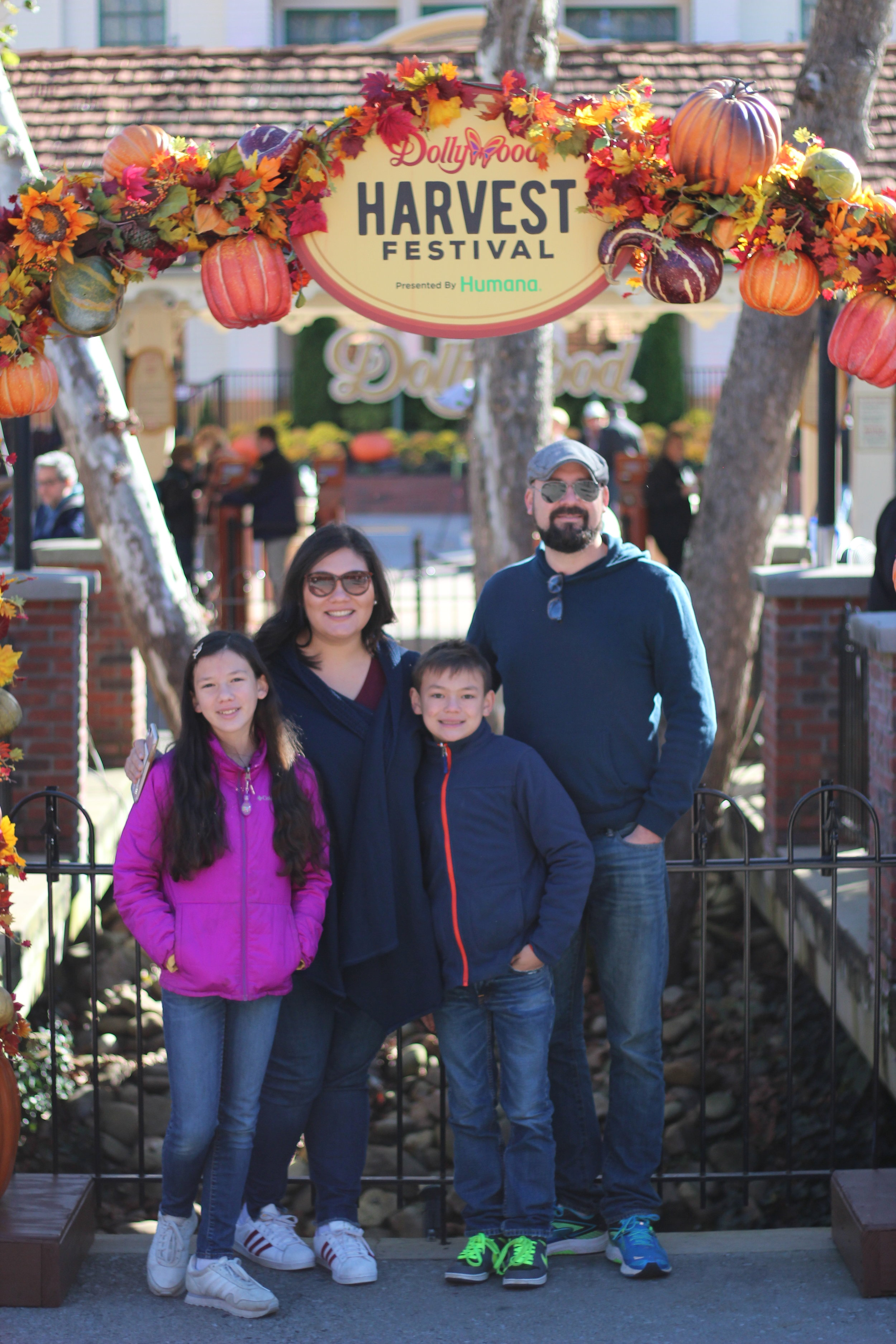 Dollywood Review from Our Wonder Collective at Harvest Festival