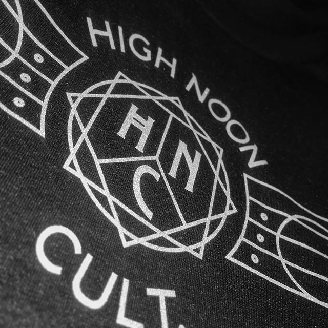 Never sacrifice quality, @high_noon_cult knows that truth!  #highnooncult #tourprint