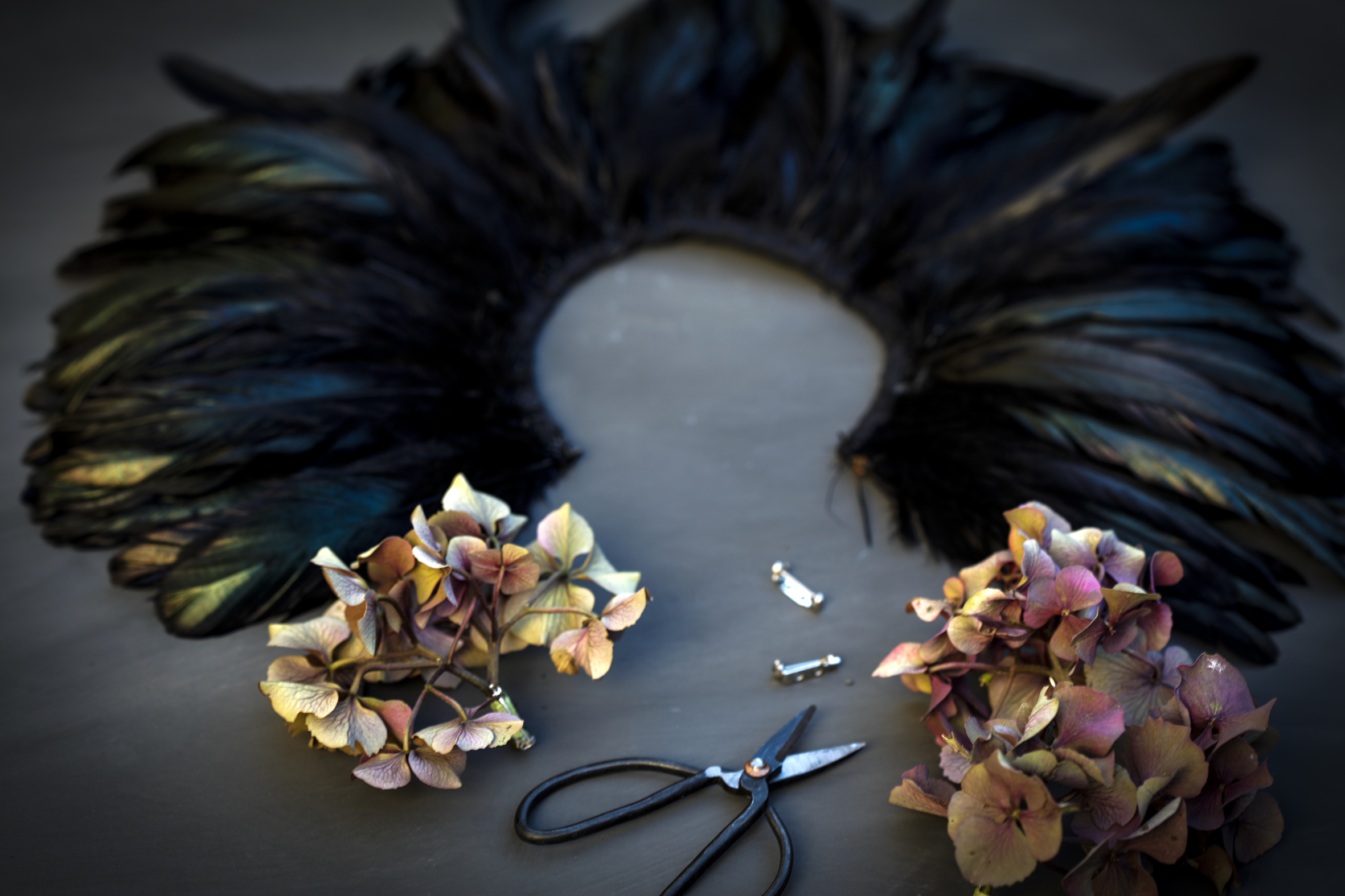 MJ feather/hydrangea collar 2