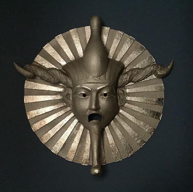 Private mask commission I made last year for an art film ✨ #mask #costume #costumedesigner #art #artfilm #gold #goldleaf #osiris