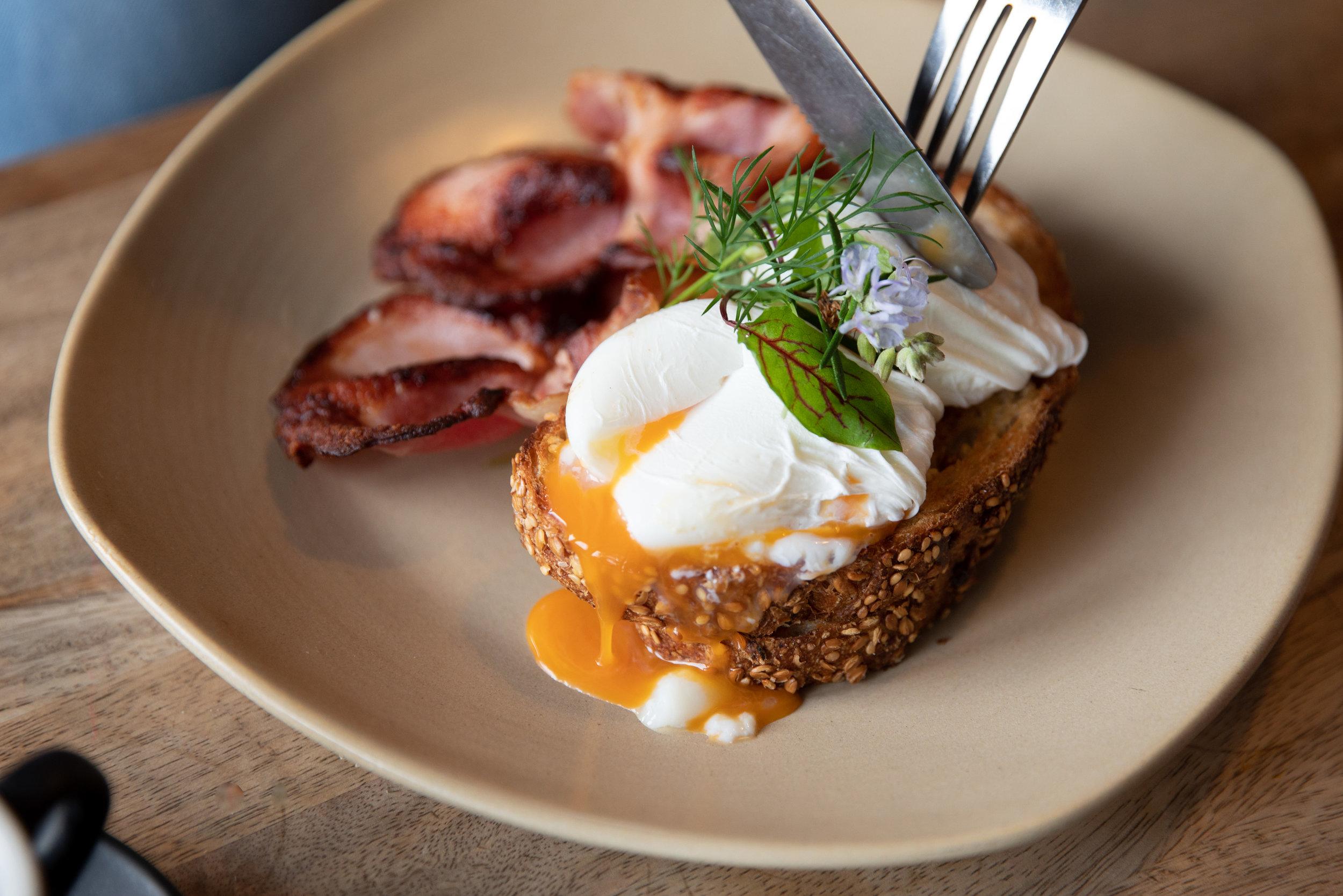 poached eggs & bacon 4.jpg