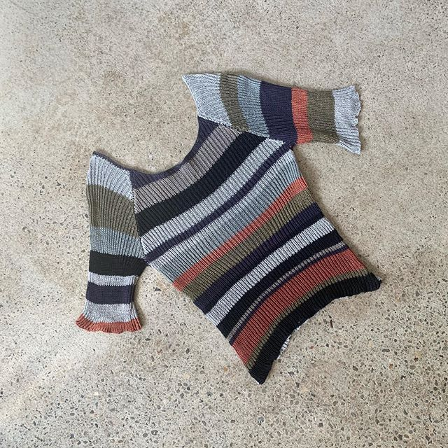 scrappy stripes🔸▪️◽️ #knitwear #loungewear #slowfashion #tshirt #linen #knit