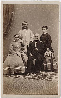Portrait of a family, Thomas Houseworth