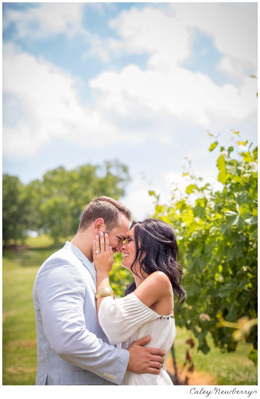 engagement-session-arrington-vineyards.jpg