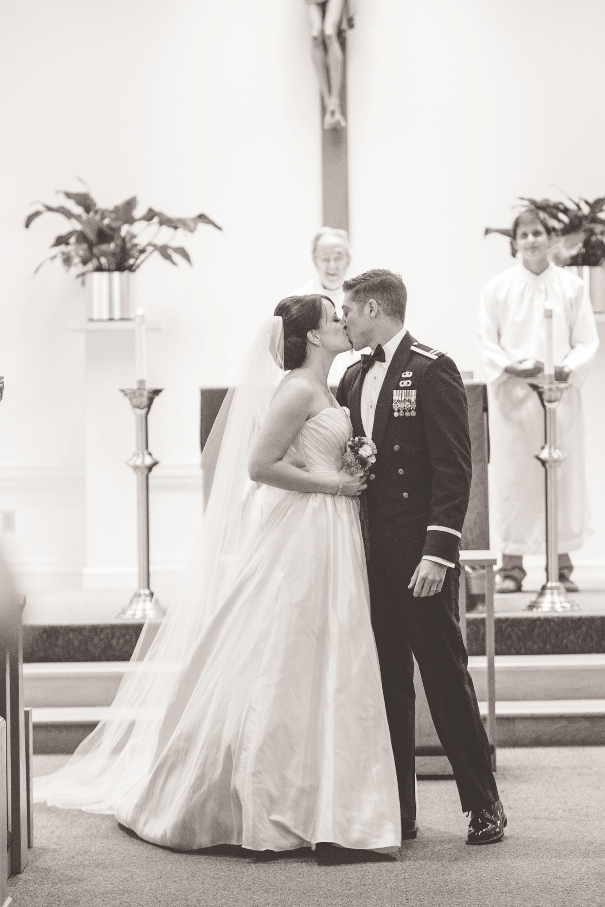catholic-ceremony-wedding-photographer