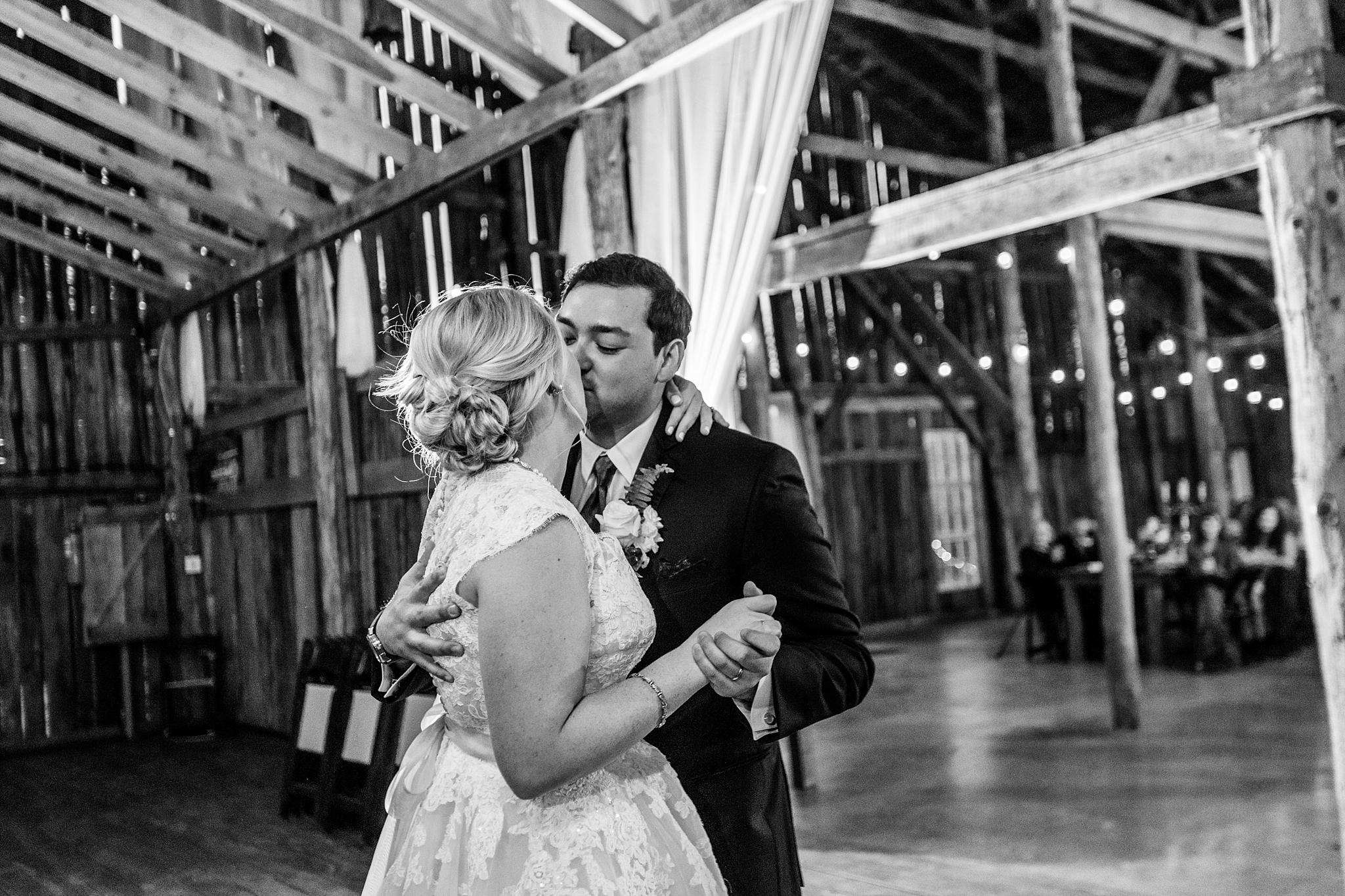 meadow-hill-farm-tn-first-dance.jpg