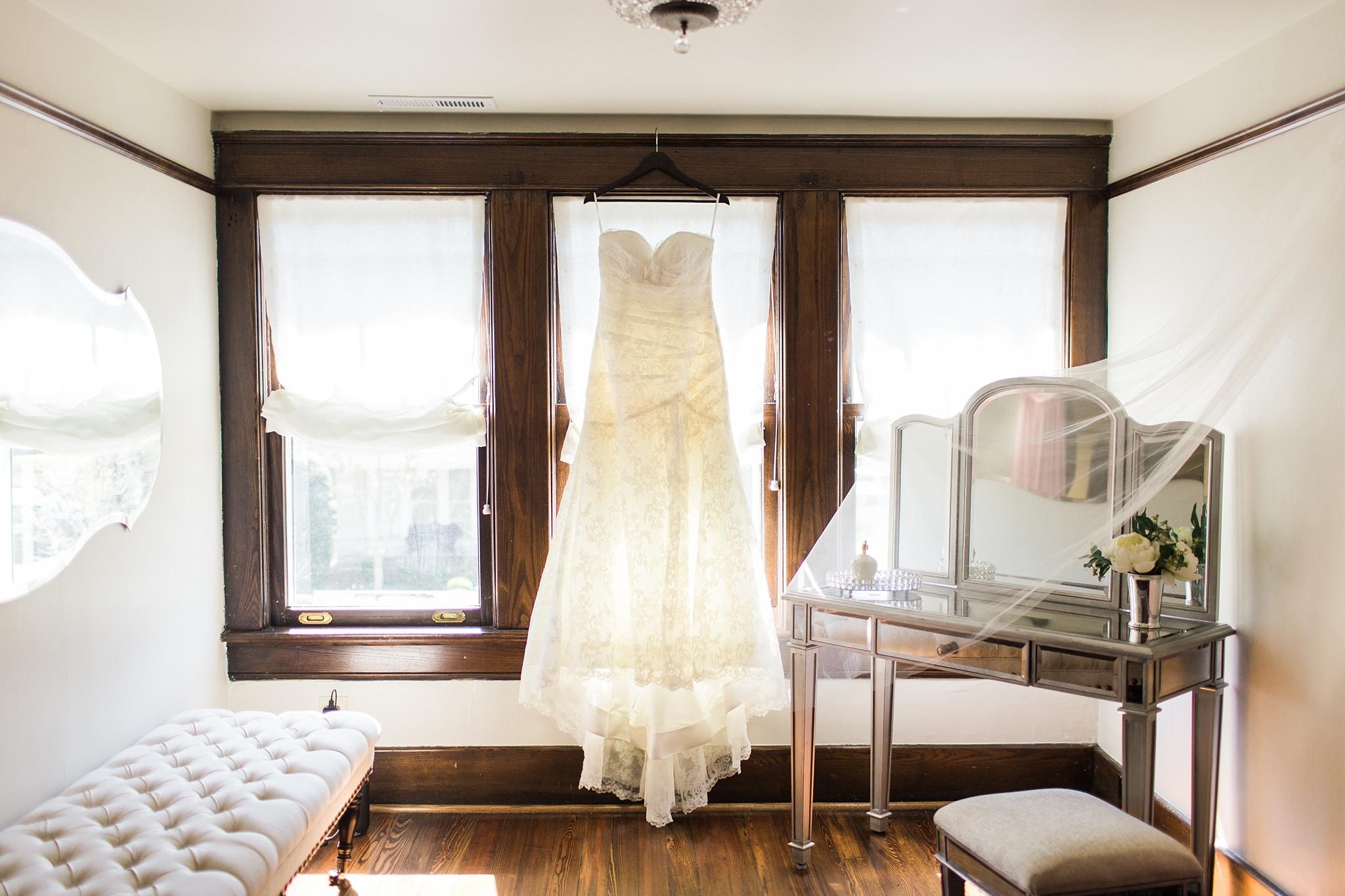 cjs-square-tn-bridal-room.jpg
