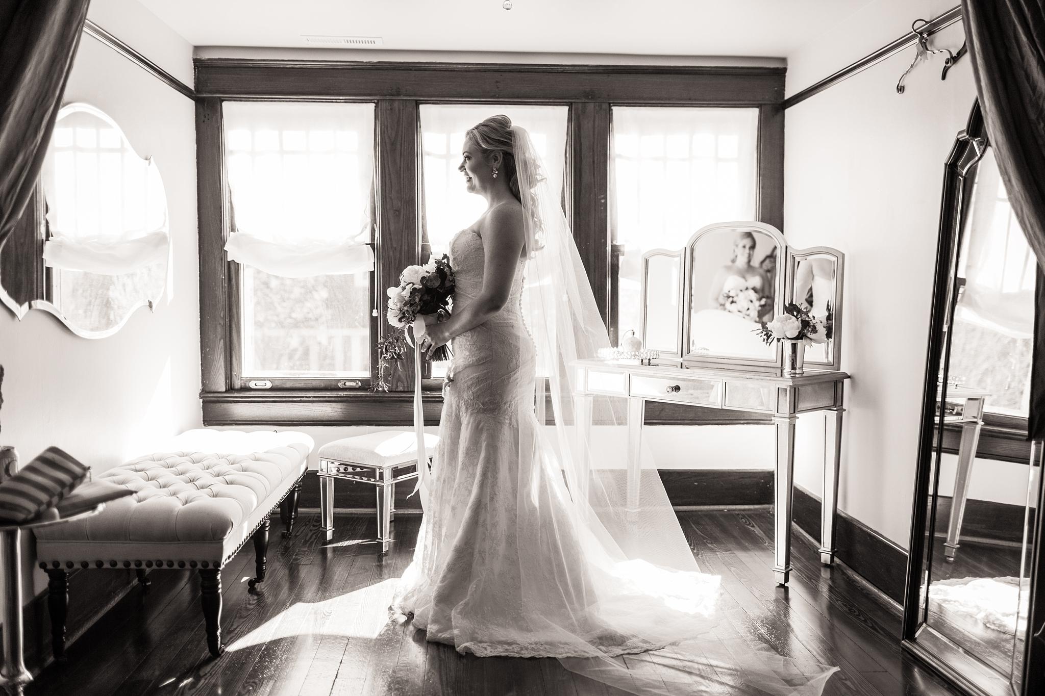bride-room-cjs-square-nashville.jpg