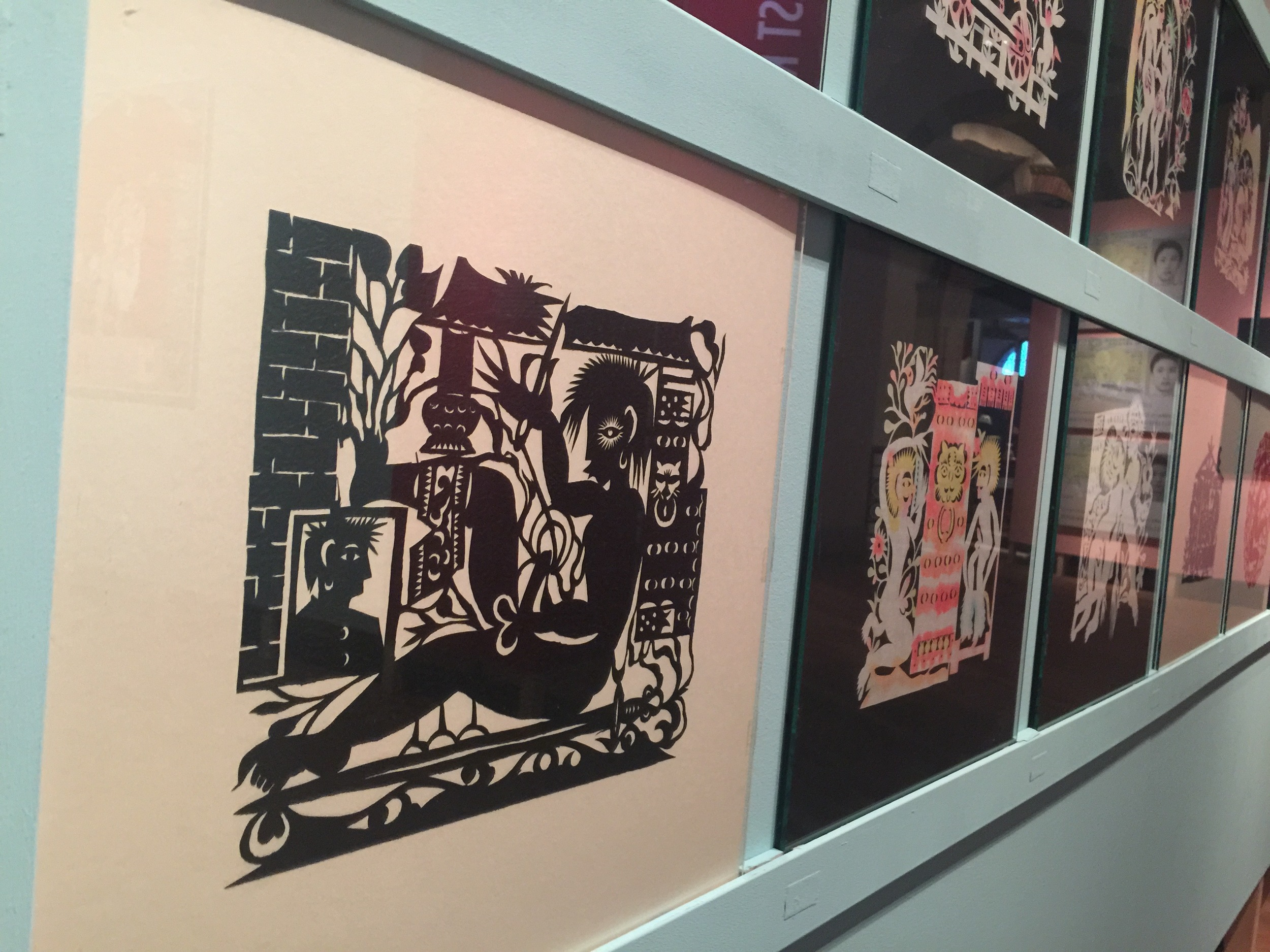 Xiyadie's paper cuttings (on the left: Prison 2)