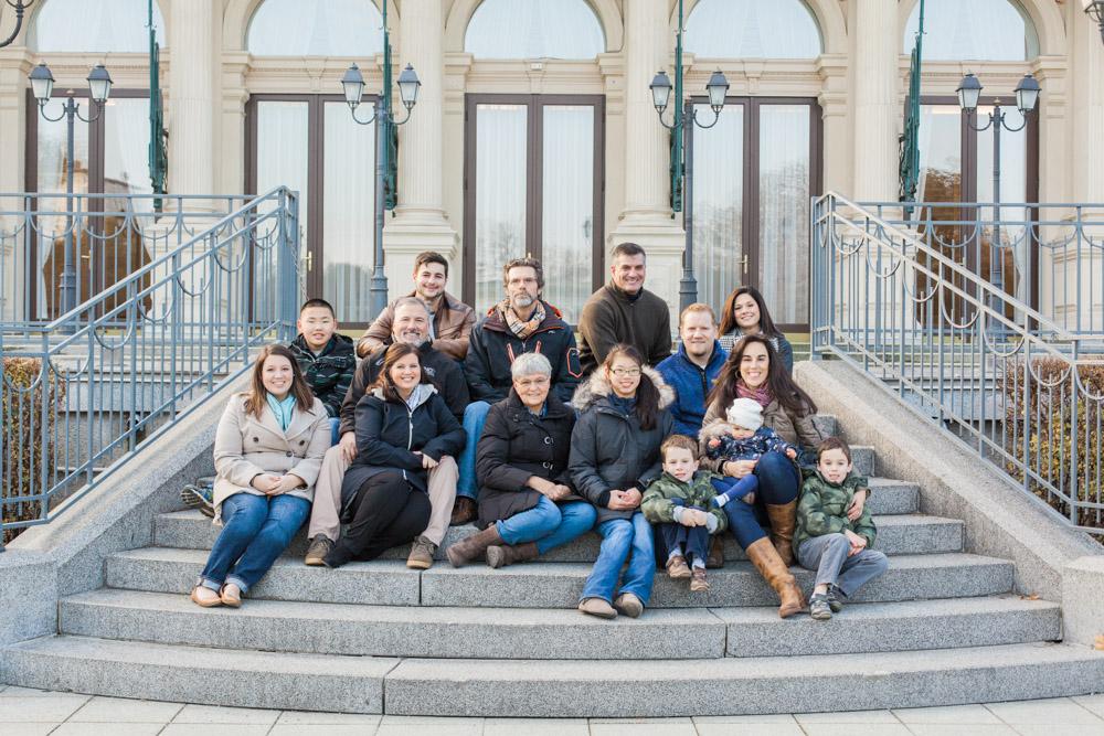 Winter Family Photos | Stadtpark, Vienna, Austria | Michelle Mock Photography