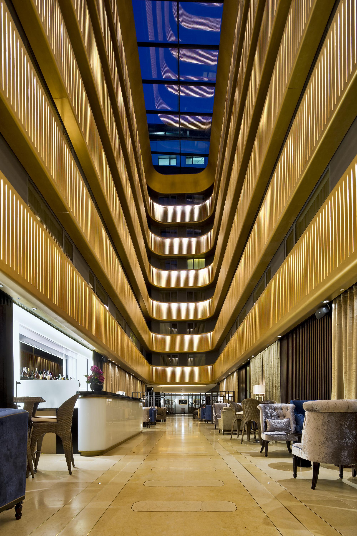Dorsett Hotel atrium and bar  (Anthony Weller).jpg