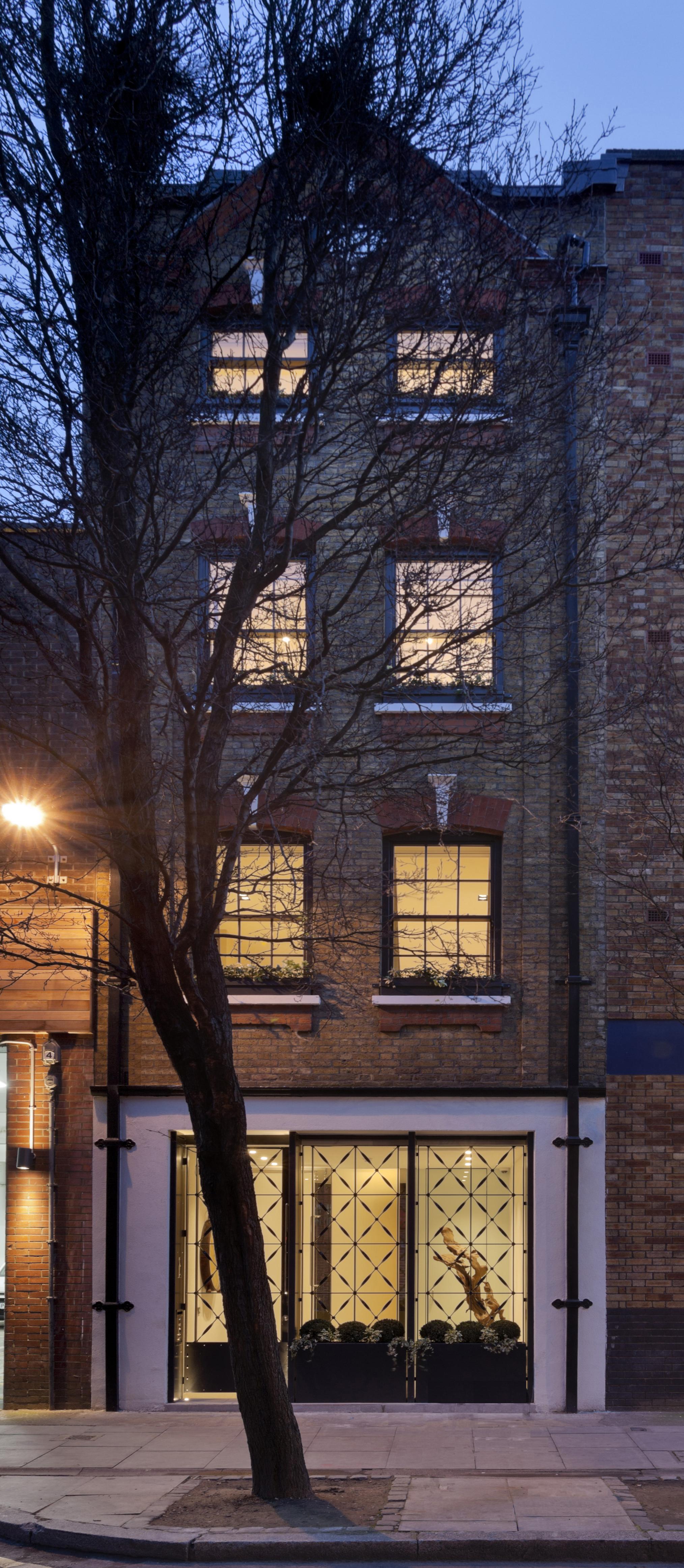 Copyright_Bruce_Hemming_NarrowHouse_exterior_night_shot.jpg