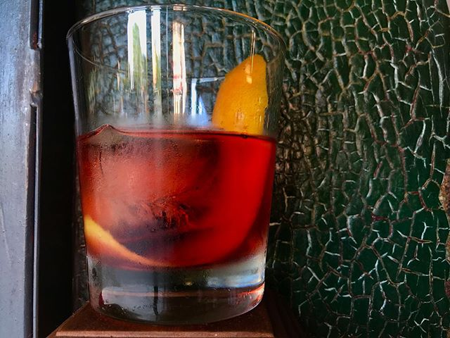 🔺N🔻 they 🔺E🔻 are 🔺G🔻 classics 🔺R🔻 for 🔺O🔻 a 🔺N🔻 reason 🔺I🔻 🥃 Try it with some @nydistilling Dorothy Parker to keep it in the neighborhood.  #cocktails #negroni #brooklyndrinks #prospectheights #washingtonave