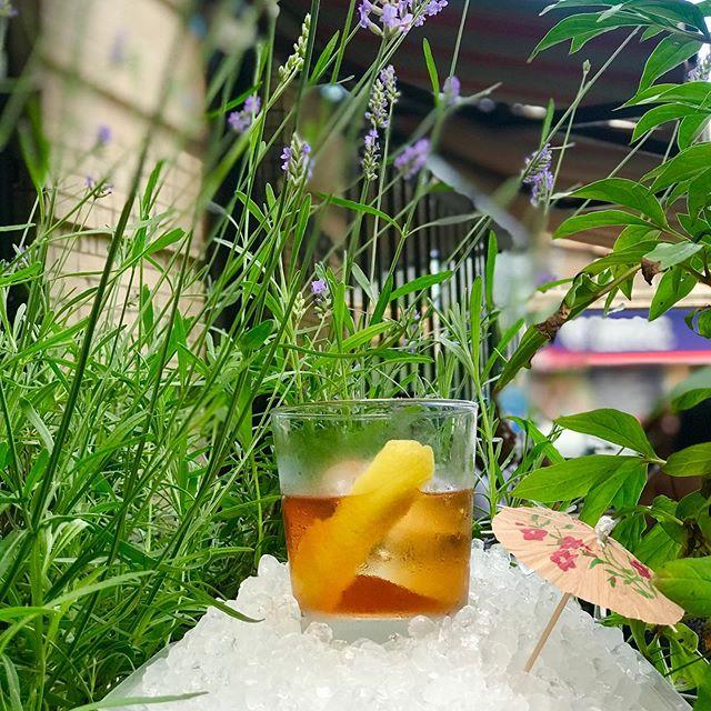We have really cold 🥶 drinks 🍹. The C String; Elijah Craig Small Batch, Pierre Ferrand Cognac, Benedictine, Giffard Banane Du Bresil, Angostura. 😗👌🏾🤚🏾💦 #brooklyncocktails #brooklynbar #stirredcocktails #summerheat #❄️ #🥃