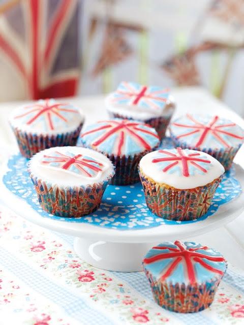 royal+wedding+celebration+cupcakes.jpg