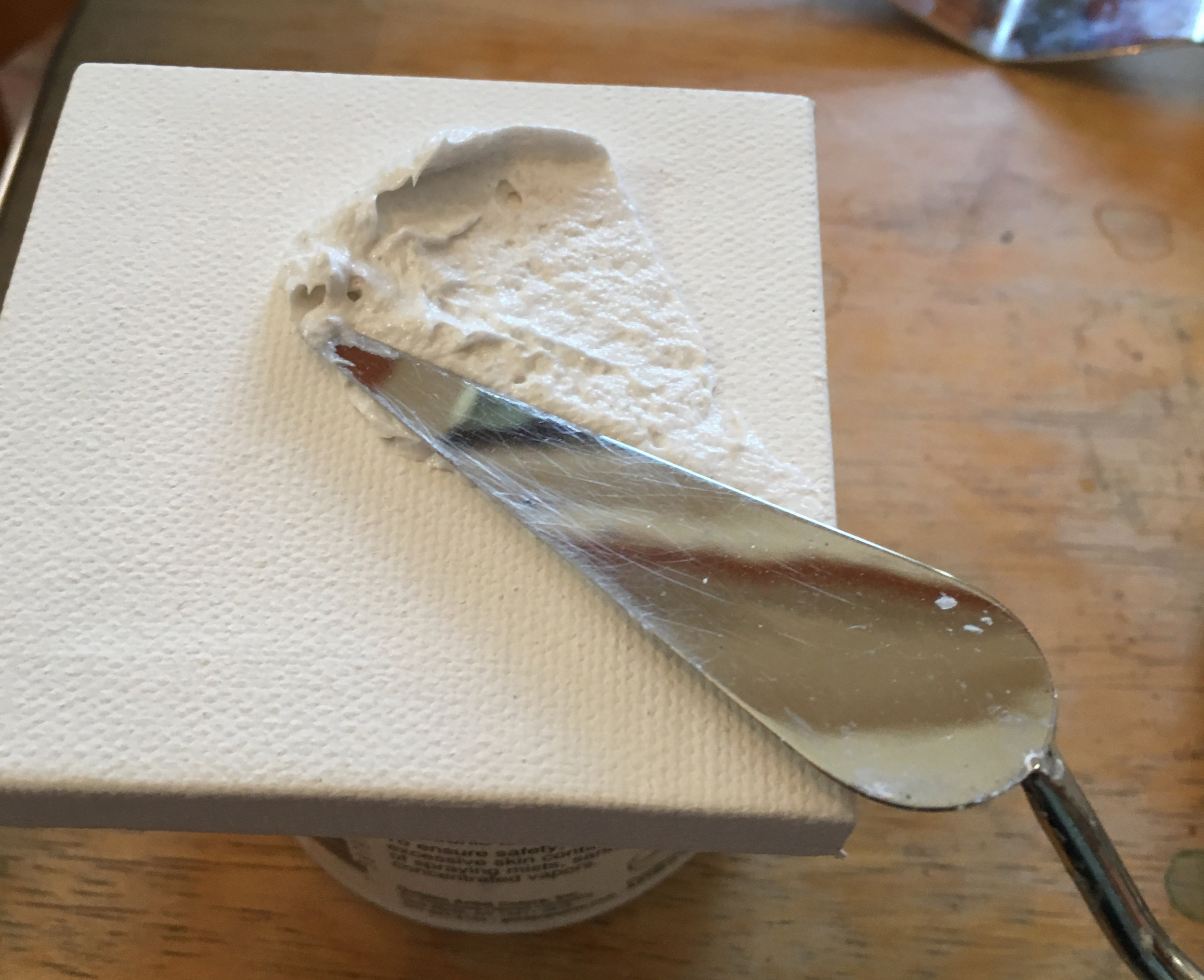 Golden-Fiber-Paste-How-To-spread-with-palette-knife