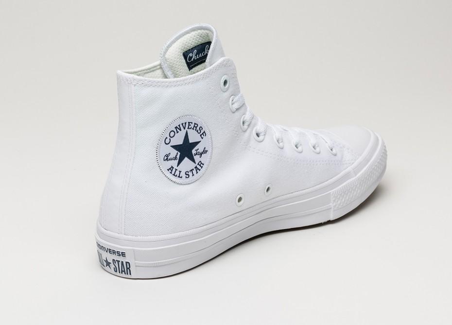 CONVERSE CHUCK II ALL STAR HI TOP IN WHITE