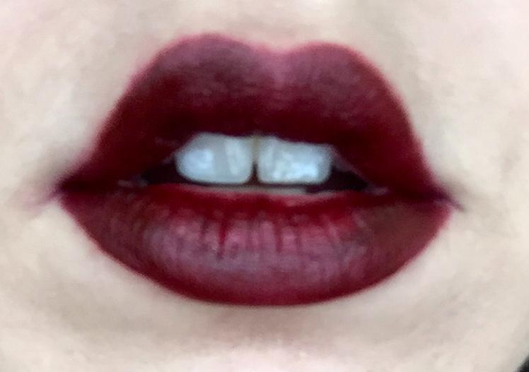 Besame: Noir Red