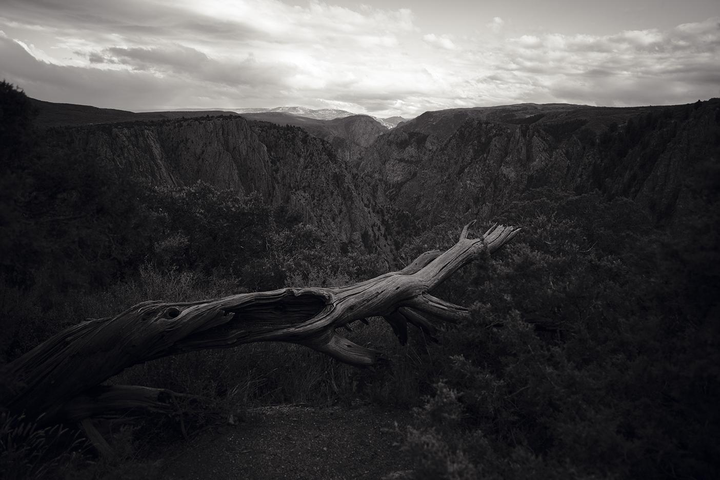 Overlooking The Black Canyon -  © Jonathan Urrutia