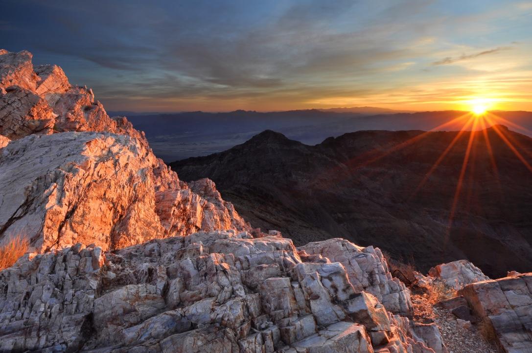 Sunrise at aguerreberry Point Death Valley National Park - (PHOTO:SIERRALARA  /SHUTTERSTOCK)