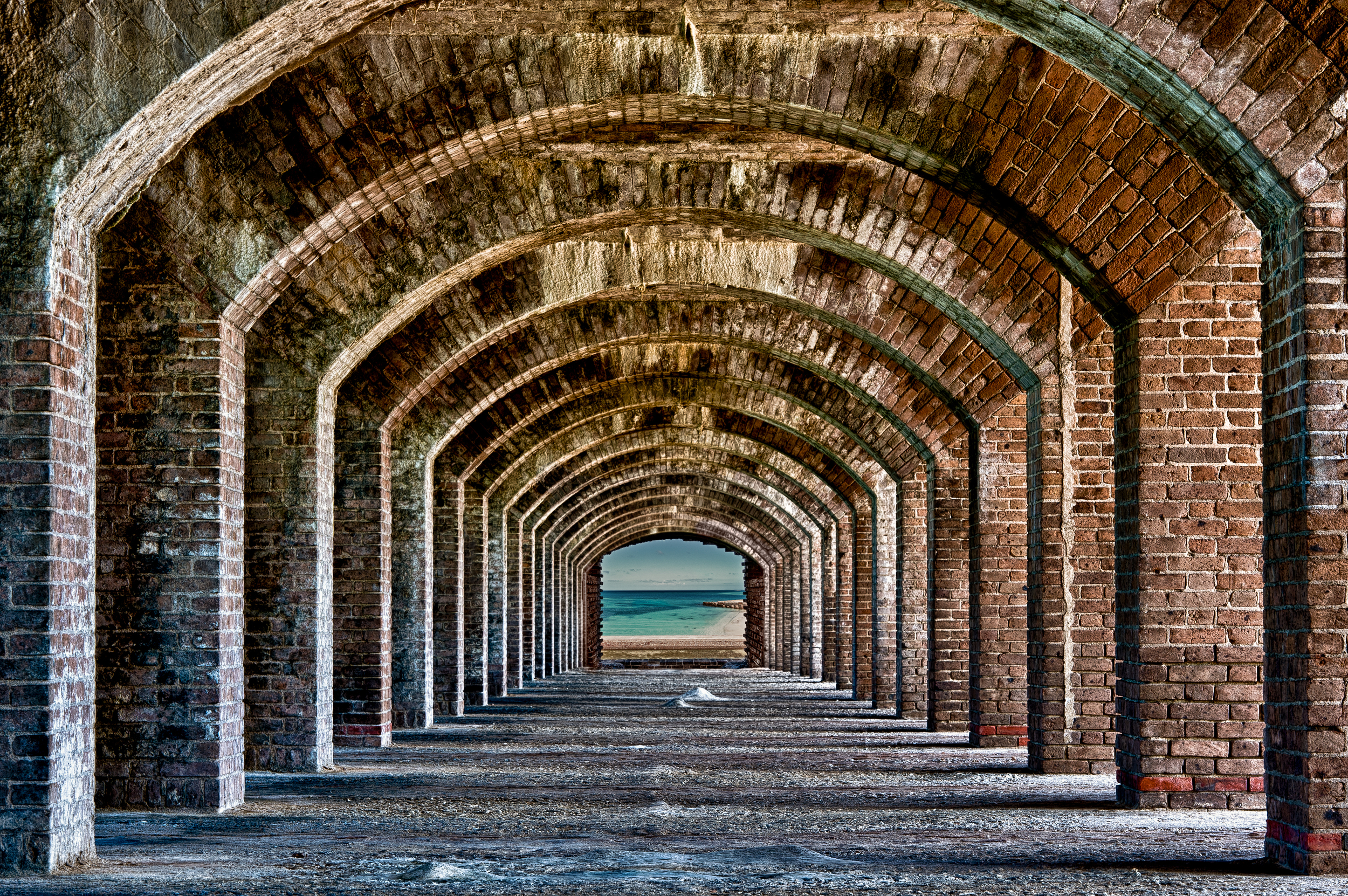 arches to the ocean at fort jefferson – (PHOTO: Nagel Photography/SHUTTERSTOCK)