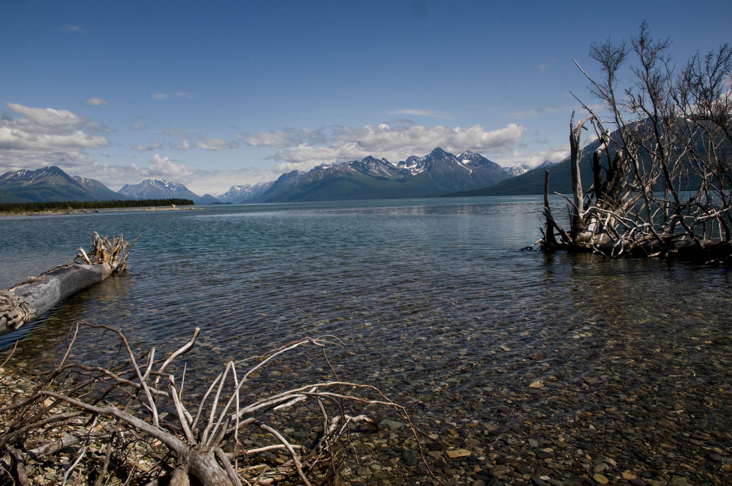Lake Clark – (PHOTO: KEVIN E. BEASLEY/SHUTTERSTOCK)