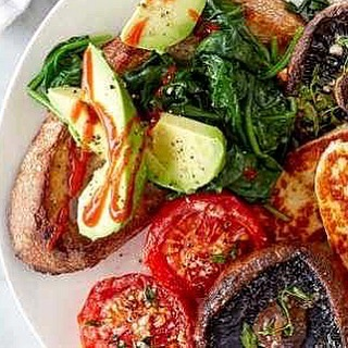 Halloumi, for #breakfast? YES PLEASE. This #veggie mixed grill is a hearty dish, check out the recipe, here: buff.ly/2mgEPe6