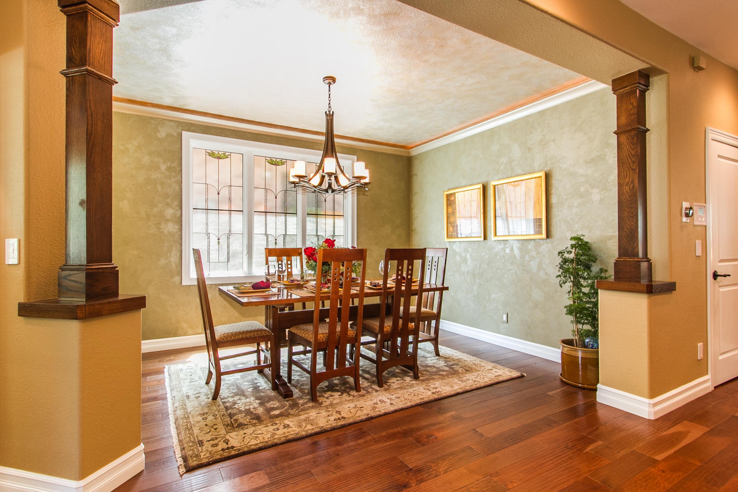 1368017_Gorgeous-Dining-Room_high.jpg