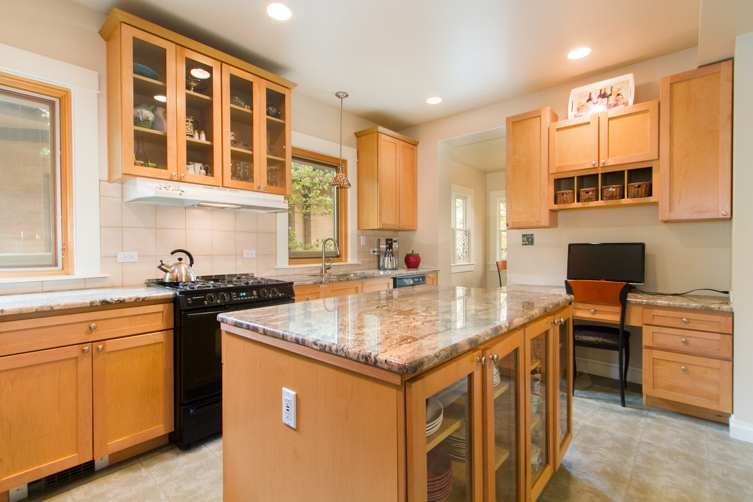 1246123_Updated-Kitchen-with-Granite-Counters-And-Desk_high.jpg