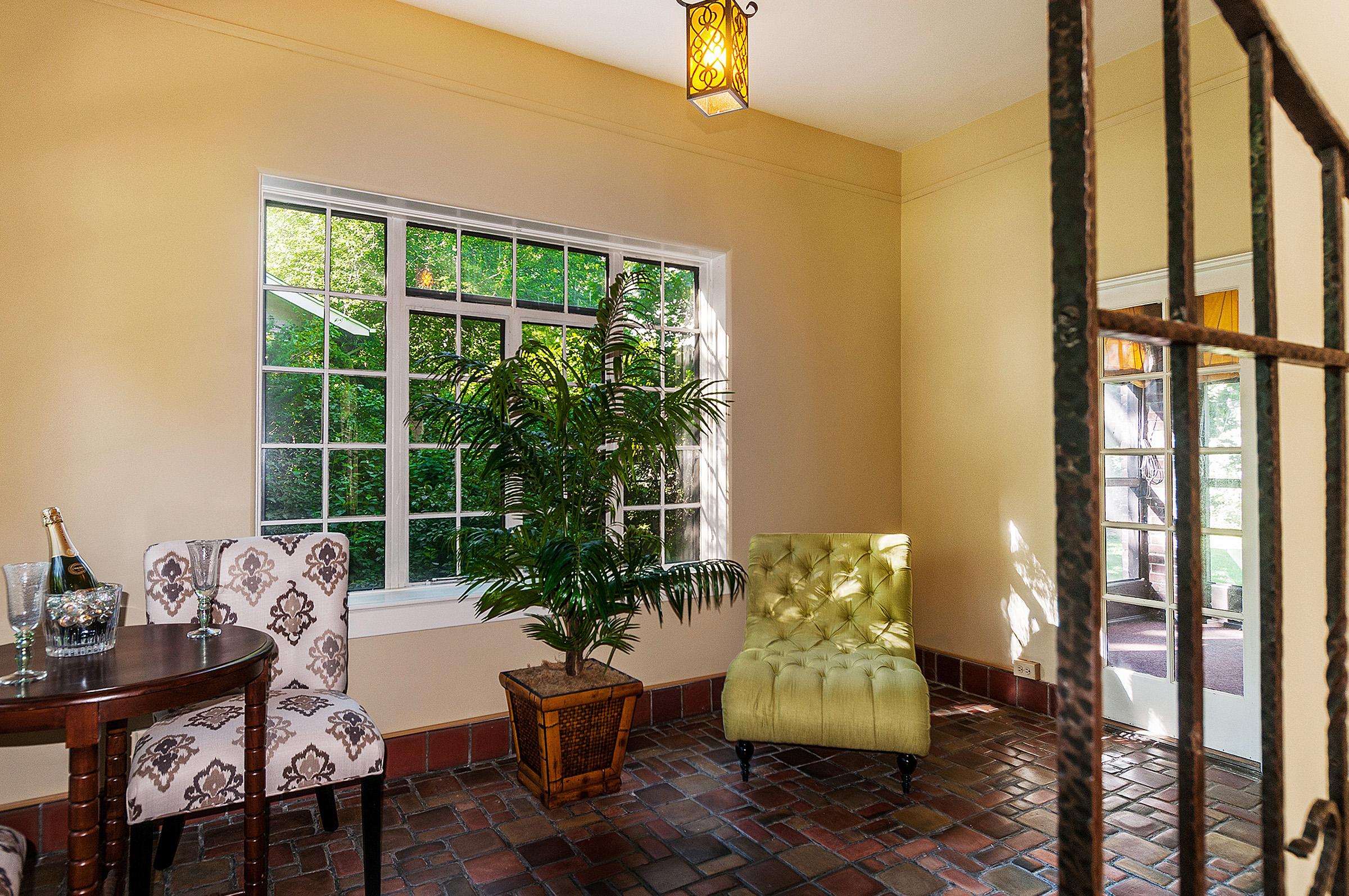 1087678_Sun-Room-has-Original-Tile-Floor_high.jpg