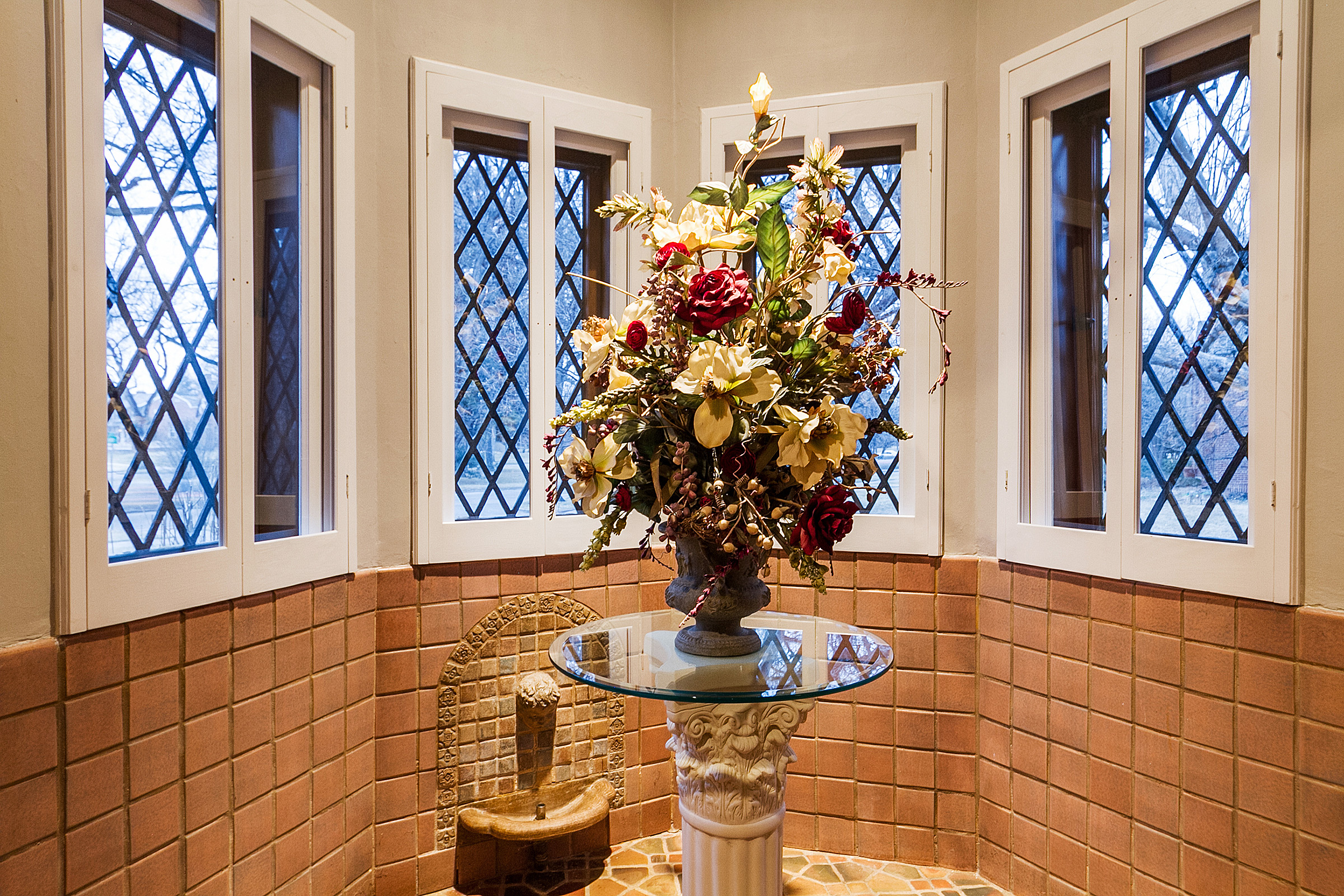 1183149_Living-Room-Turret-Has-Vintage-Tile--amp--Fountain_high.jpg