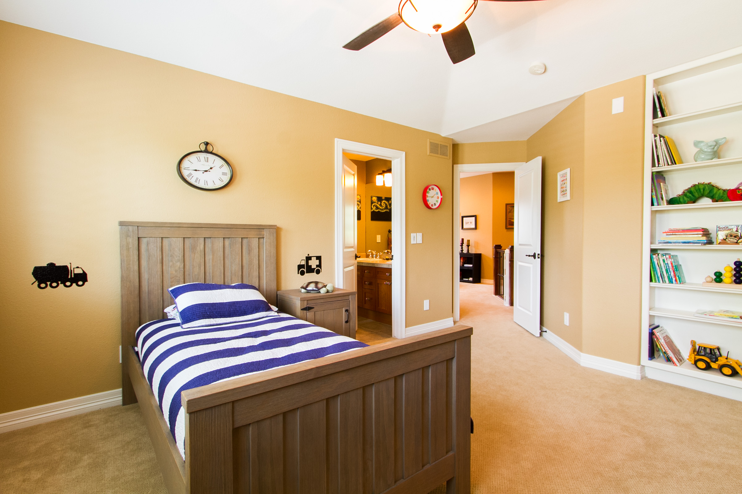 1368014_Bedroom-Two-with-Built-In-Shelving_high.jpg