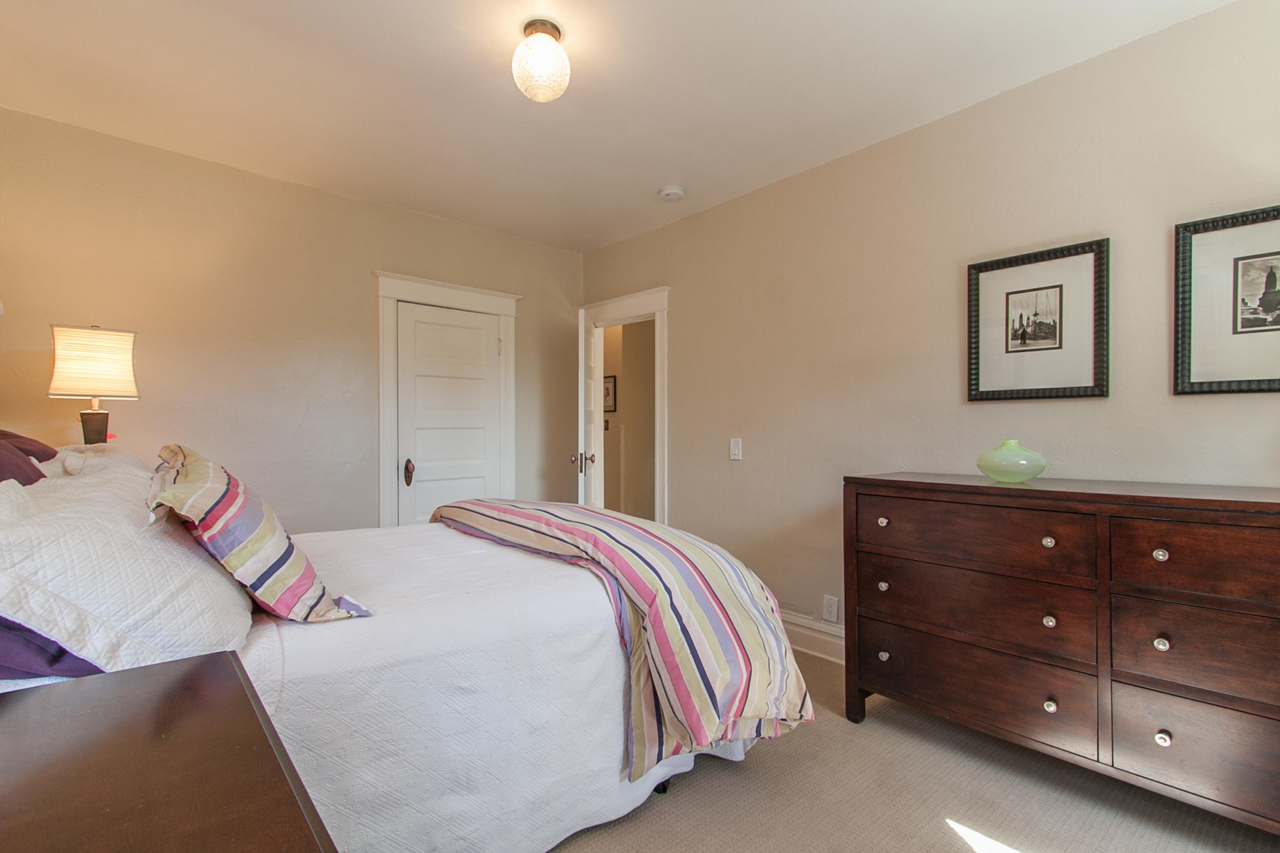 1100743_Master-Bedroom_high.jpg