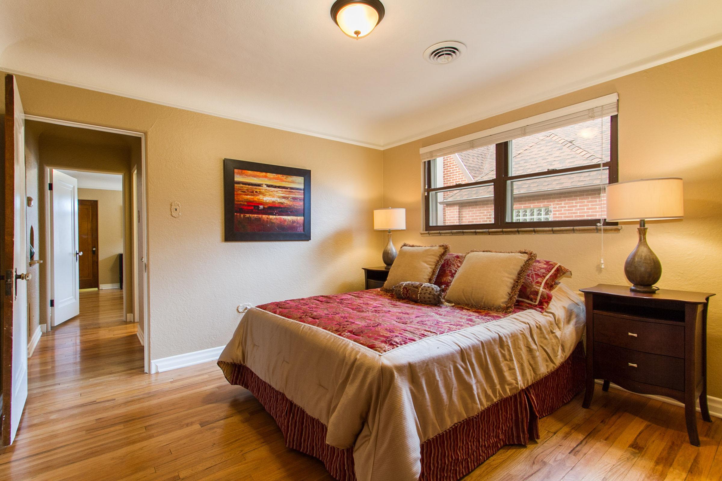 1177295_Main-Floor-Rear-Bedroom_high.jpg