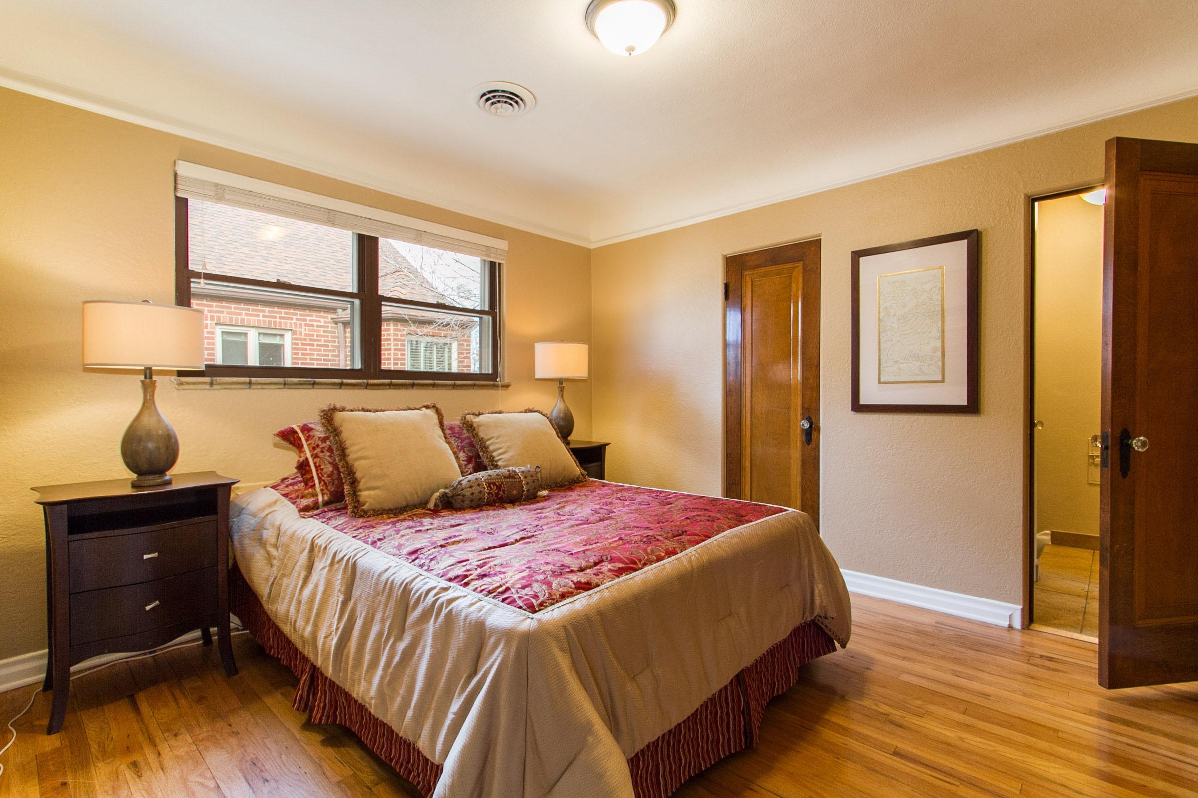 1177297_Main-Floor-Rear-Bedroom_high.jpg