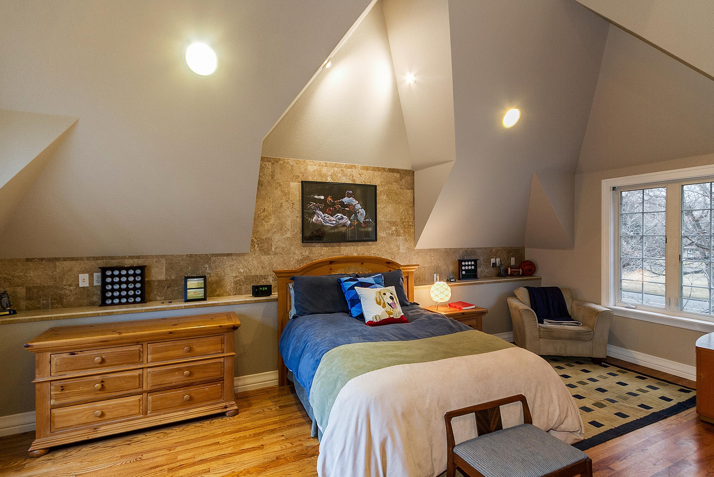 1183050_Vaulted-2nd-Floor-Bedroom_high.jpg