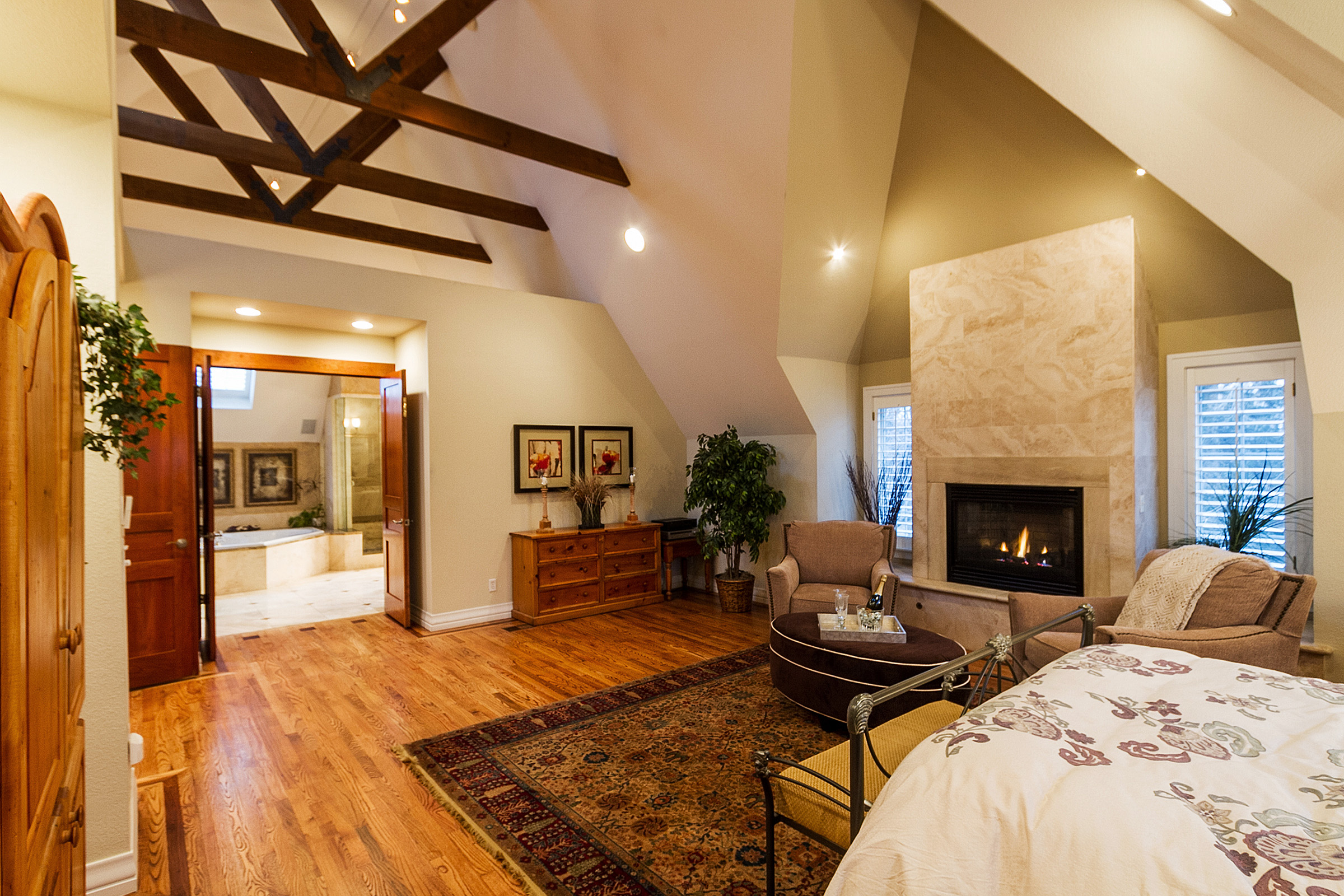 1183152_Master-Suite-and-Bath-Have-Exposed-Trusses_high.jpg