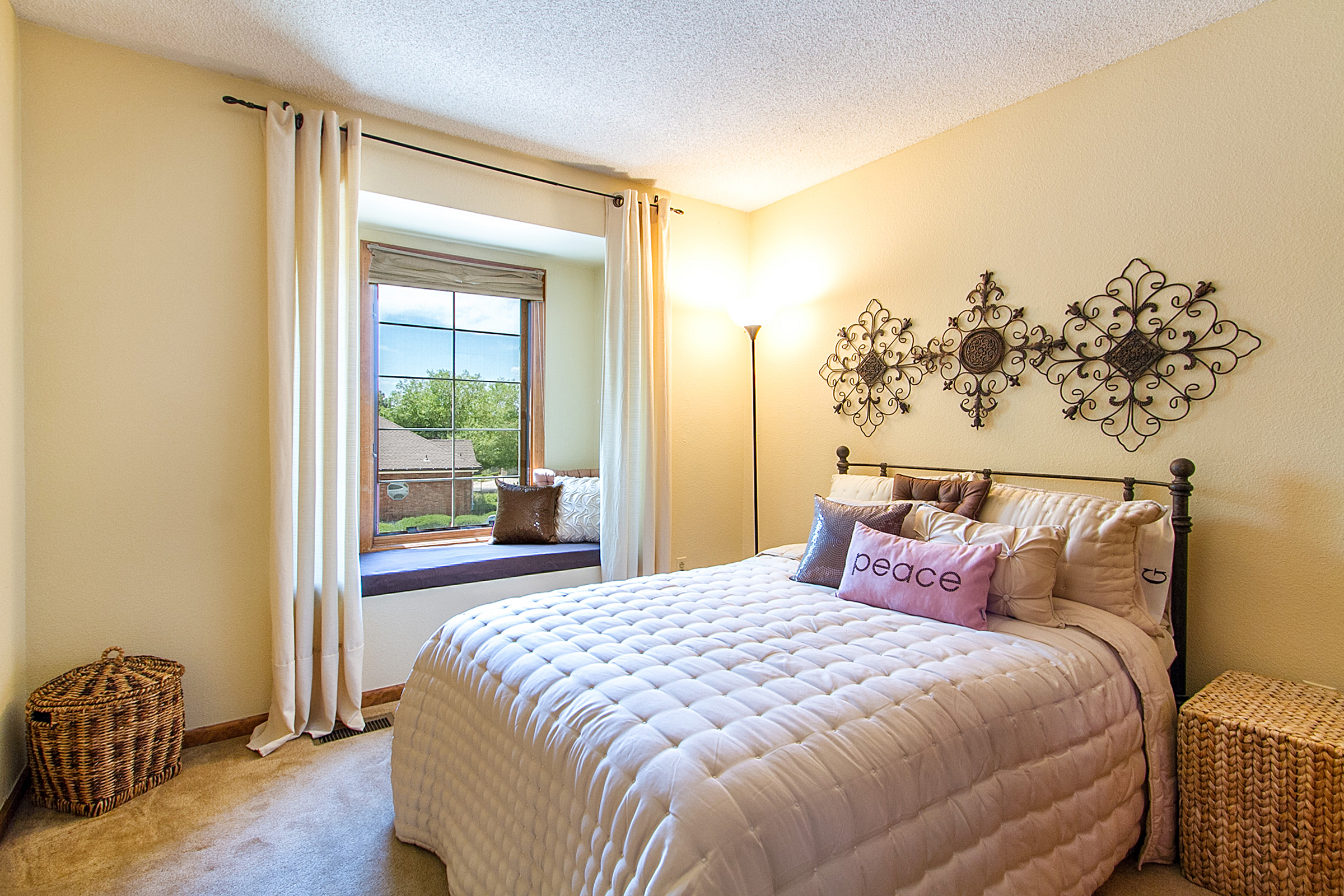 1297057_Charming-Bedroom-Two-Has-Window-Seat_high.jpg