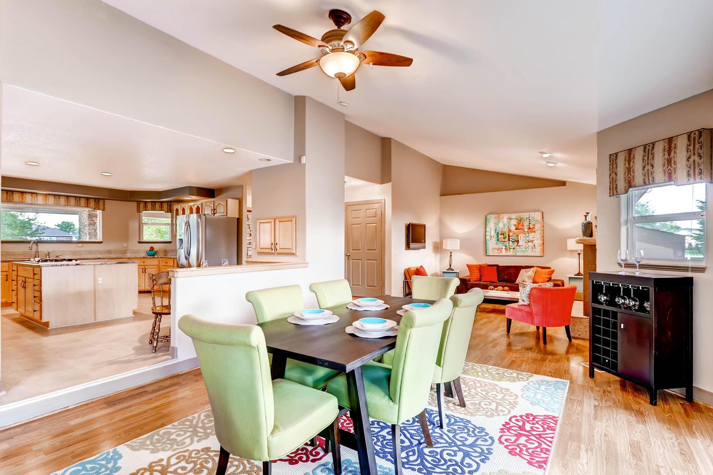 Morningside Estates Beauty-large-008-Dining Room-1500x1000-72dpi.jpg