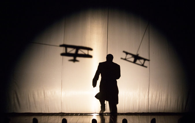 http://www.nytimes.com/2015/04/14/theater/review-39-steps-frenetic-thriller-spoof-rises-again.html?_r=0