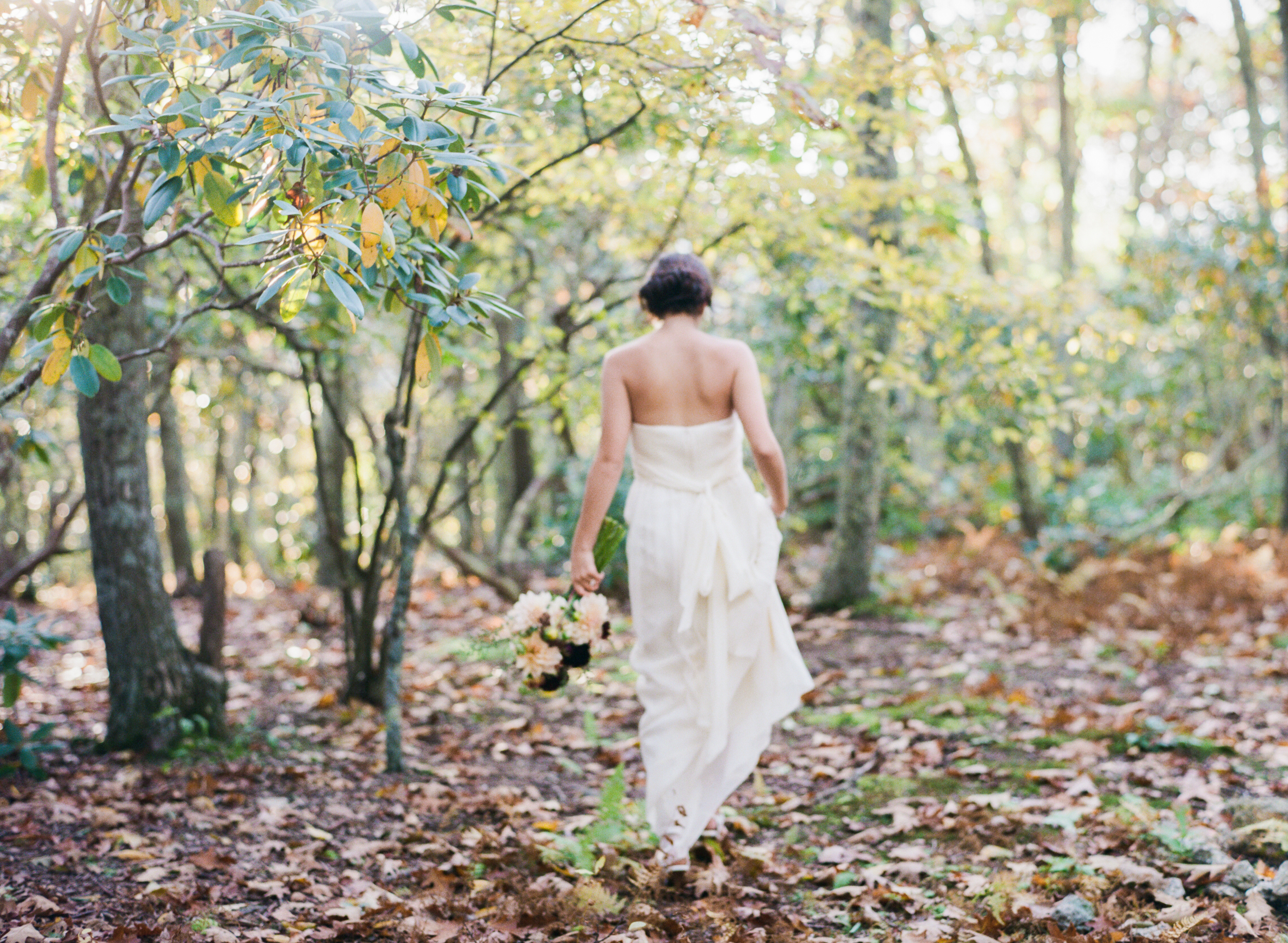 Bridal Inspiration_Virginia Mountain Fall Bride_Zachary_Taylor_Fine_Art_Film_Destination_Wedding_Photographer-19.jpg
