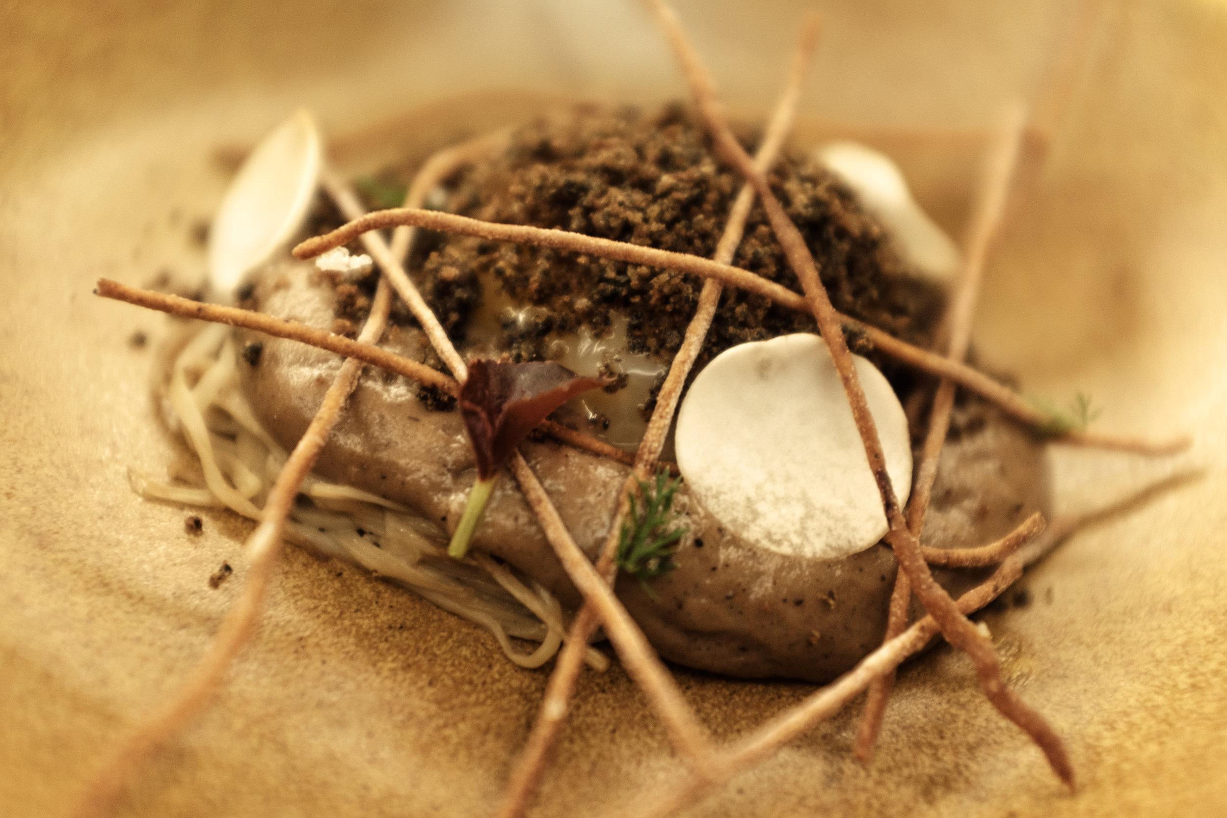 Cogumelos, gema bio, sésamo