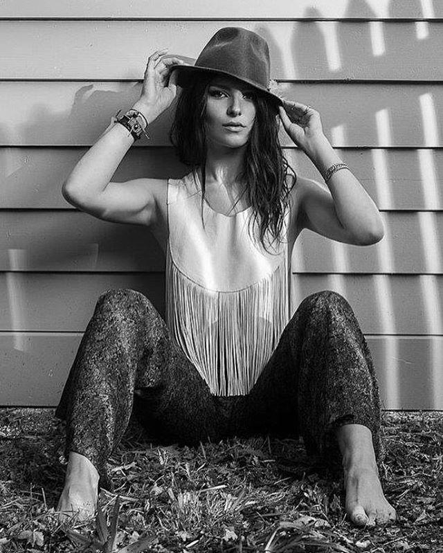 Copyright @keithpersall  #beautiful #women @gamzekec  #shadowplay #composition