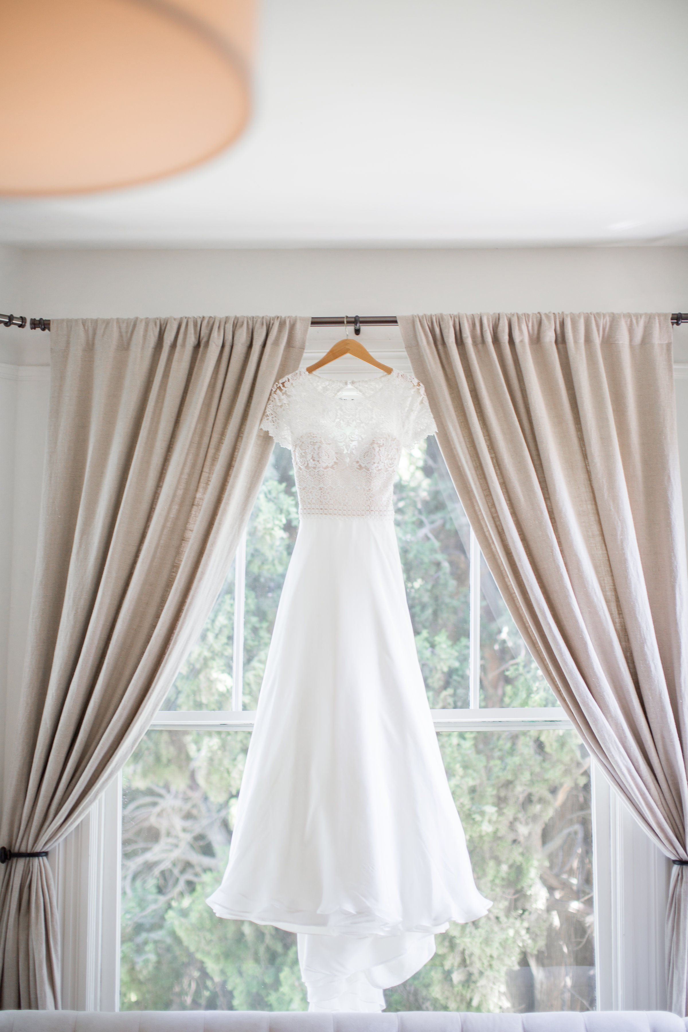 wedding_dress_in_window.jpg