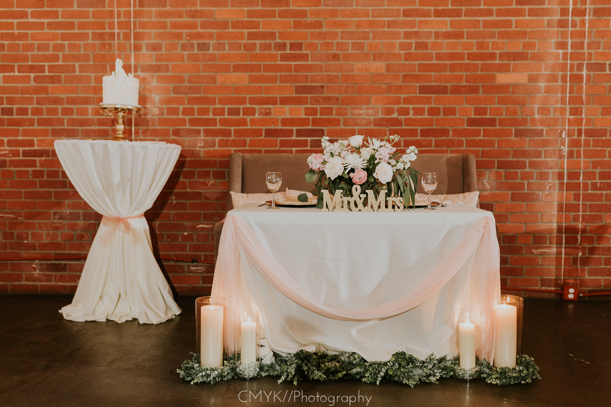 Sacramento_wedding_sweetheart_table.jpg