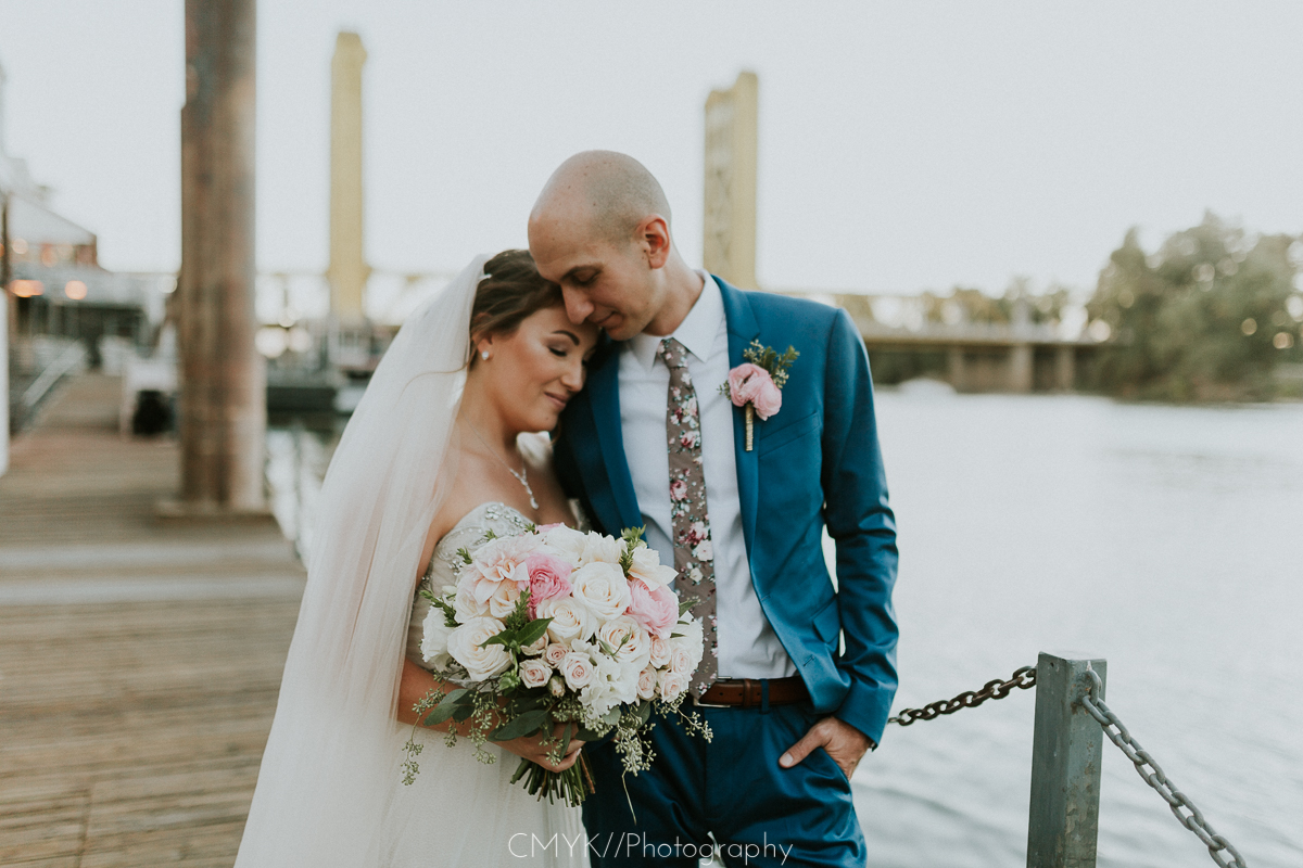 bride_and_groom_tower_bridge.jpg