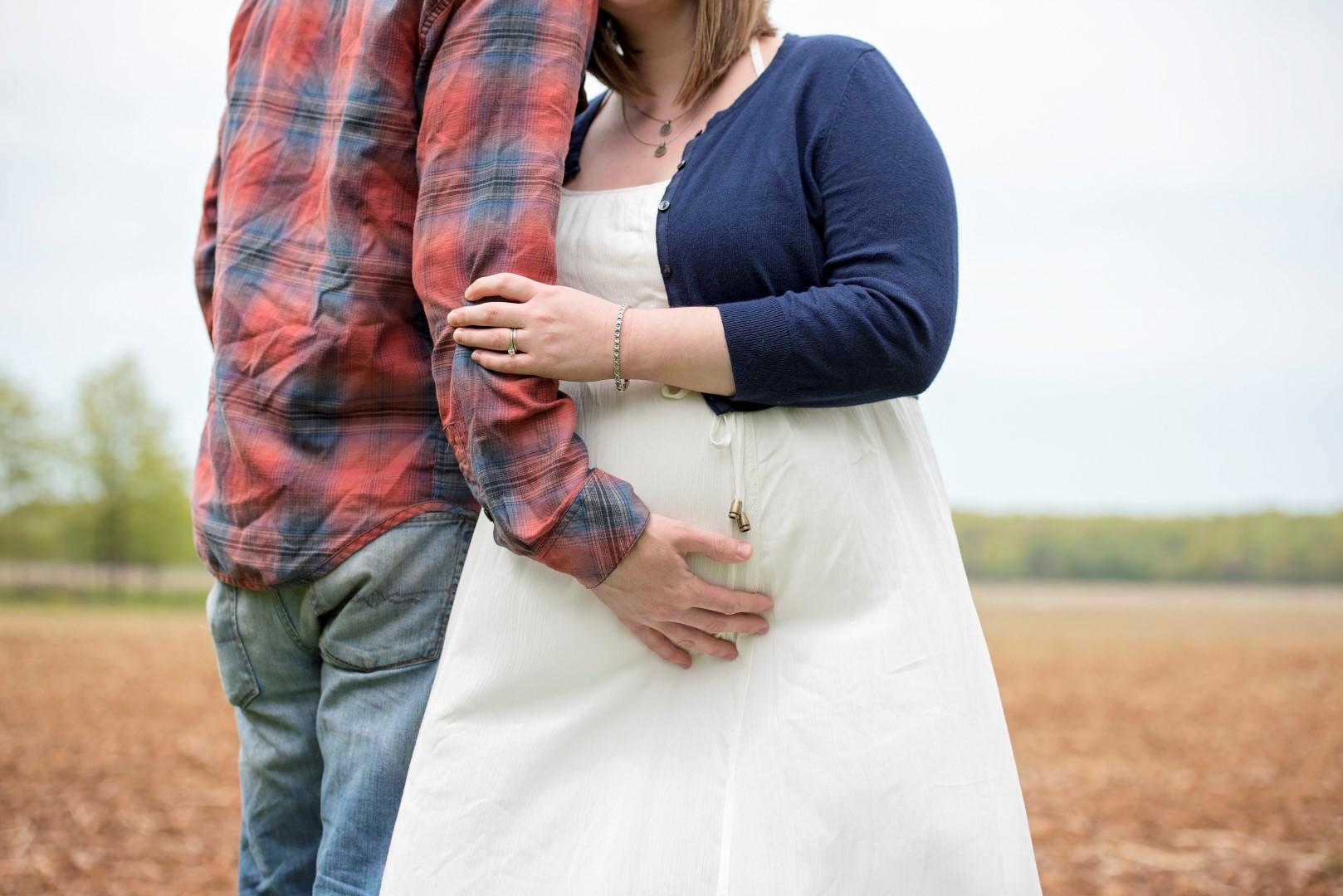 Mariah & Kyle - 2nd Maternity Shoot_23 (Large).jpg