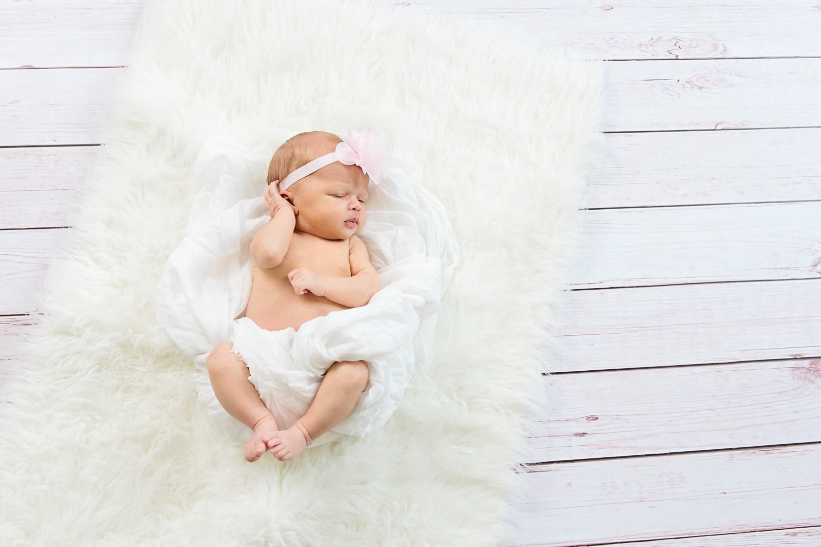 Baby_Parker_Newborn_07 (Large).jpg