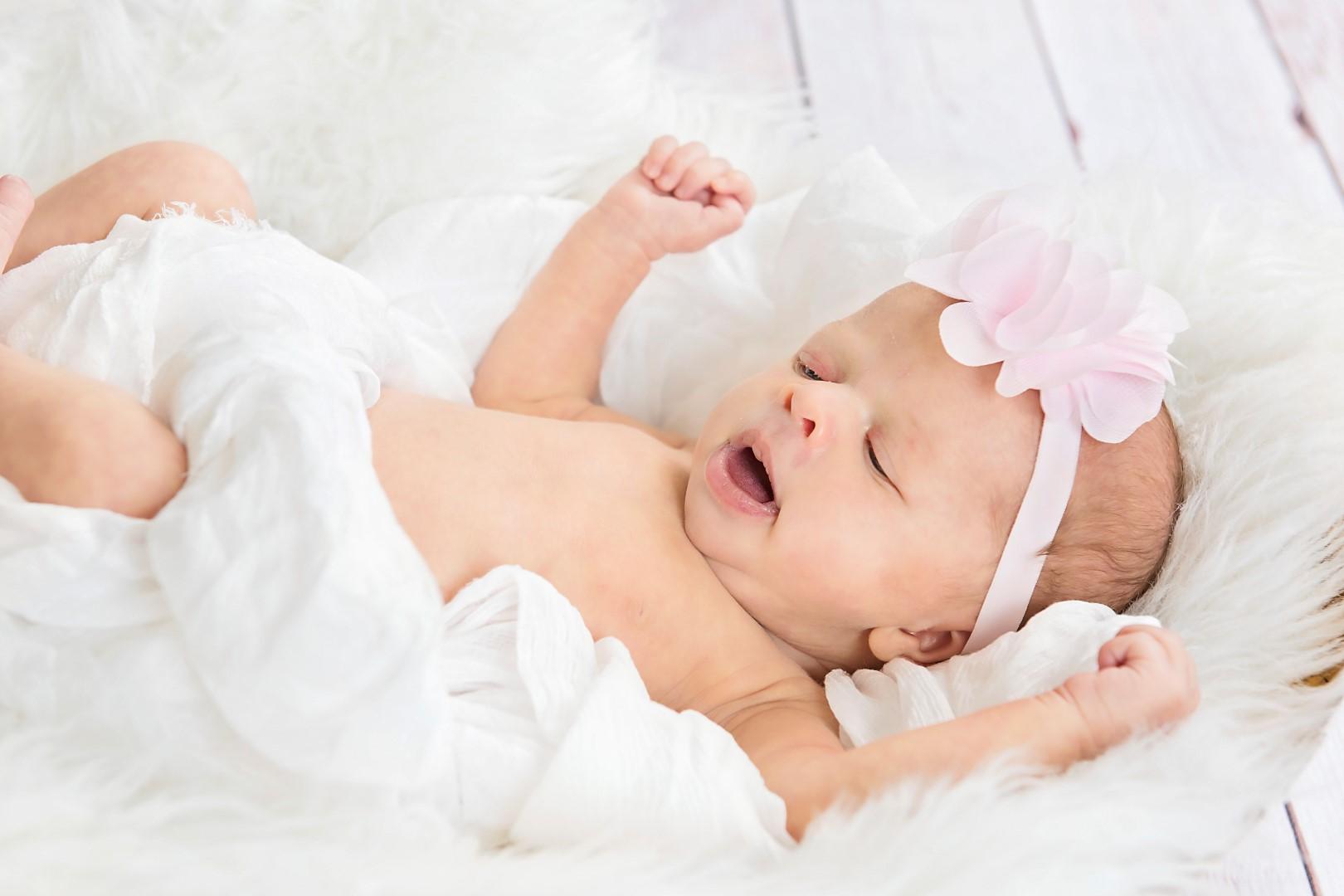 Baby_Parker_Newborn_08 (Large).jpg
